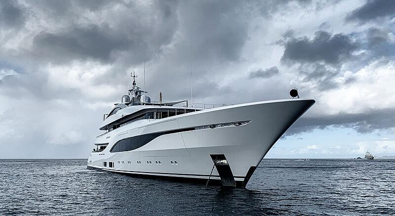 Arrow yacht by Feadship in St. Barths