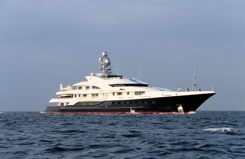 Attessa IV cruising off Gibraltar