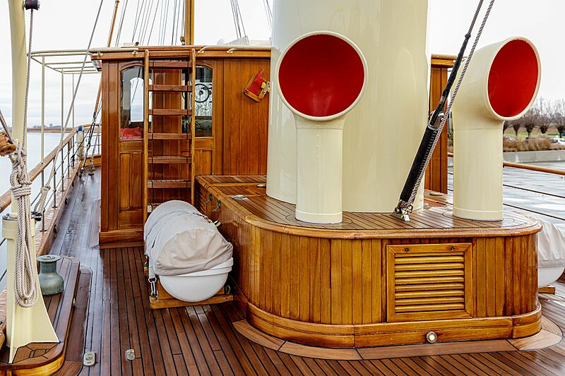 Atlantide yacht deck