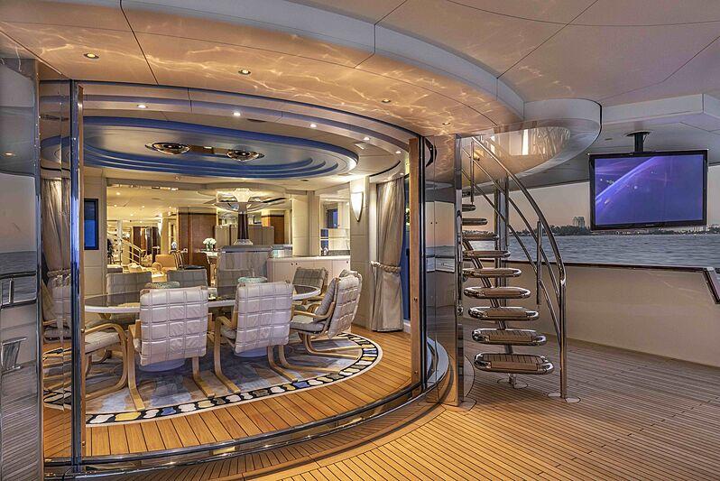 Sirona III yacht dining/aft deck