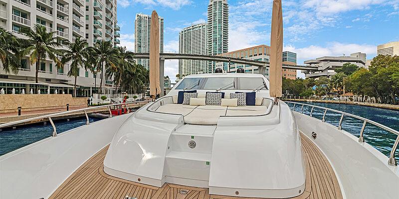 31m Alisios yacht sundeck