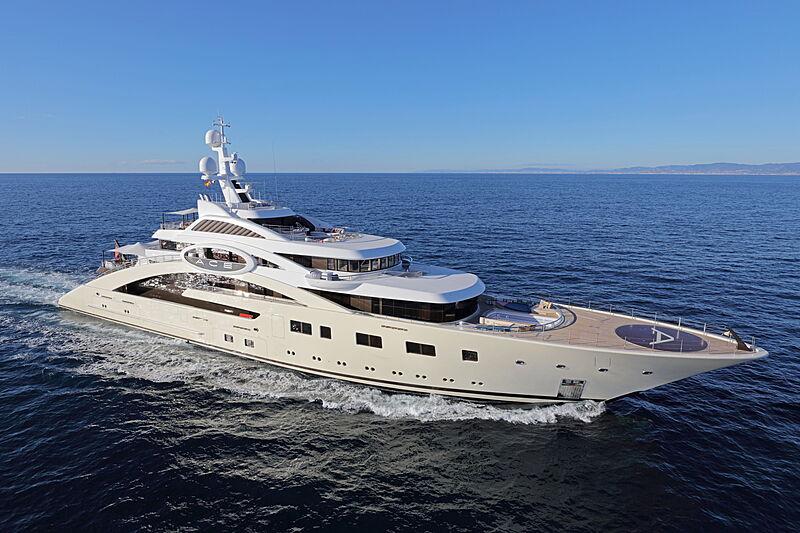 Ace yacht cruising