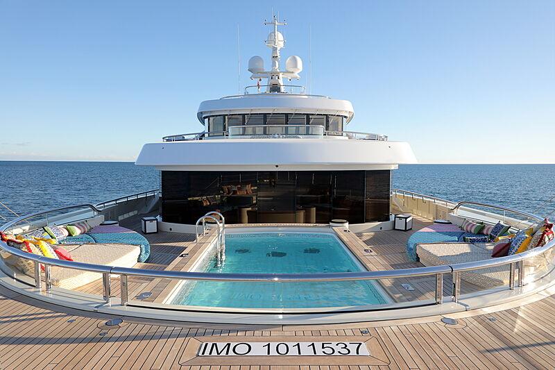 Ace yacht pool
