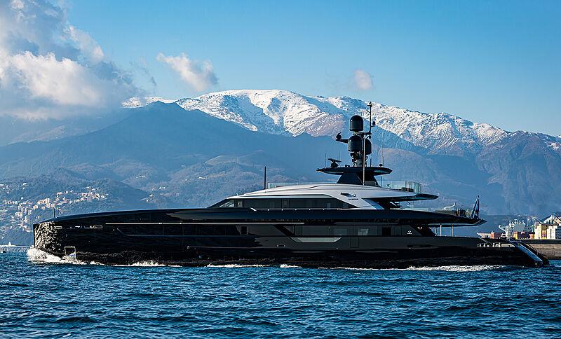 Olokun yacht cruising