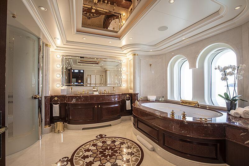 Anna I yacht bathroom