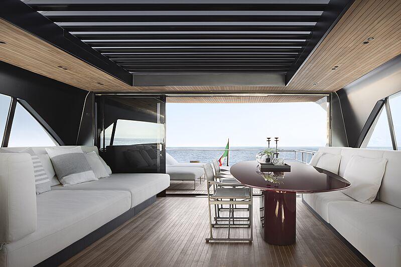 Sanlorenzo SX112 yacht saloon