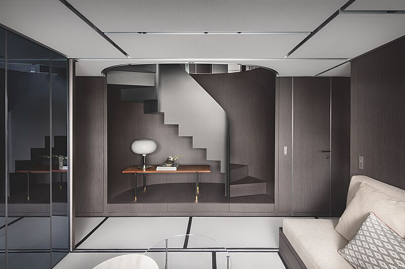 Sanlorenzo SX112 yacht hall & staircase