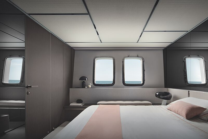 Sanlorenzo SX112 yacht stateroom
