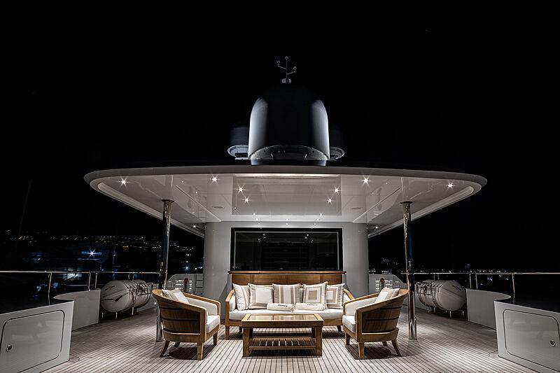 Framura yacht sun deck