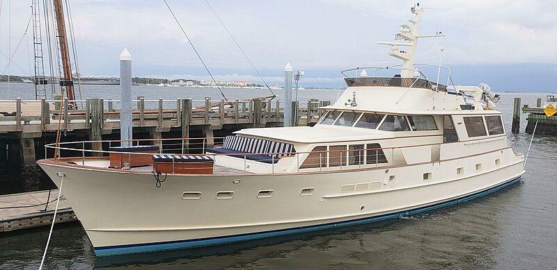 Manta yacht in Charleston, SC