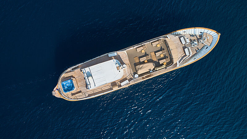 La Perla yacht aerial