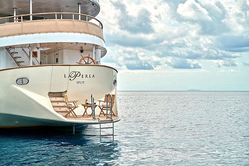 La Perla yacht stern