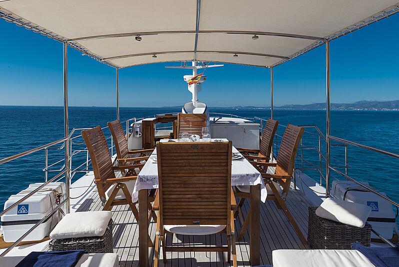 Black Pepper yacht sundeck