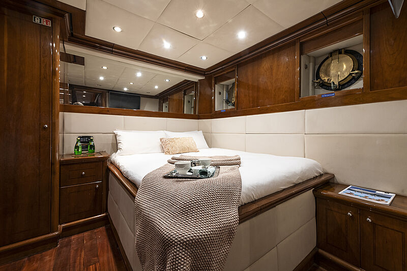 Black Pepper yacht stateroom