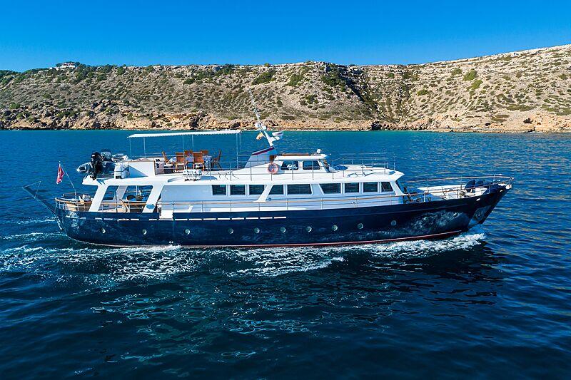 Black Pepper yacht cruising