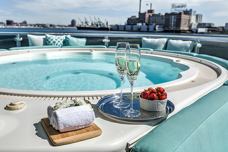Endeavour yacht pool