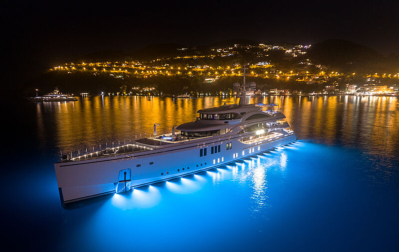 Benetti Lionheart yacht with underwater lights