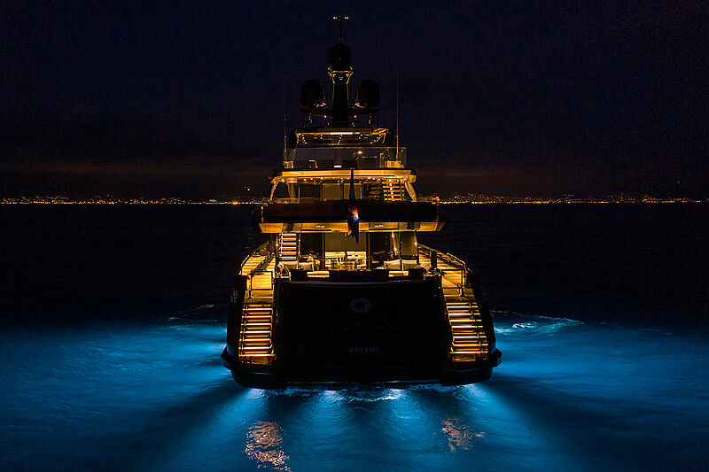 Olokun yacht with underwater lights