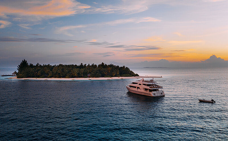 31.2 boutique motor yacht Alice in the Maldives