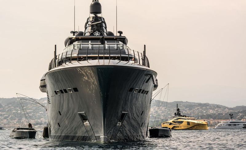 Atlante anchored off Cannes