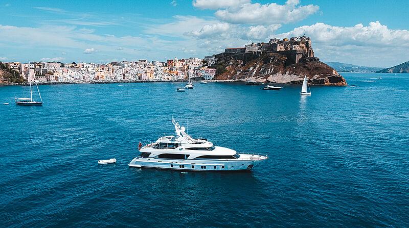 Yacht Miamaa in Procida, Italy