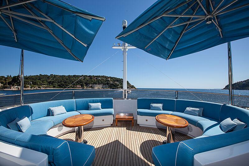 Domani yacht sun deck
