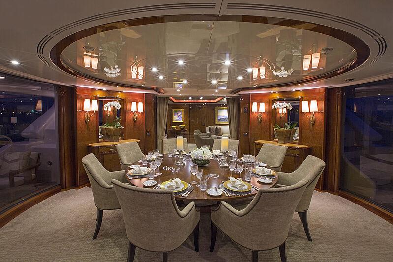 Domani yacht dining room