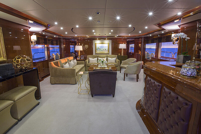 Domani yacht saloon