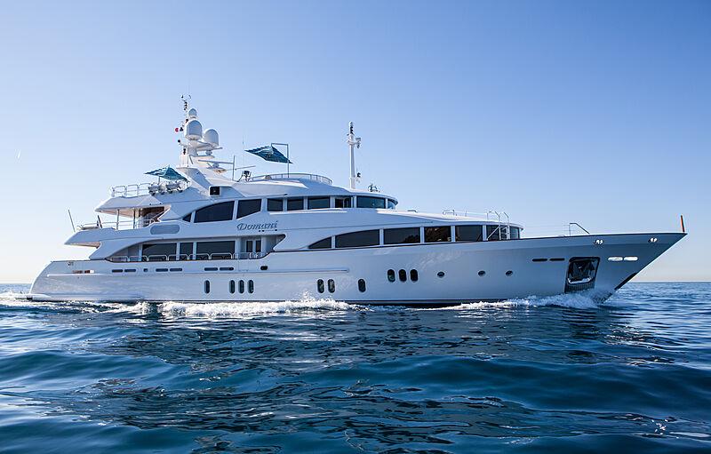 Domani yacht cruising