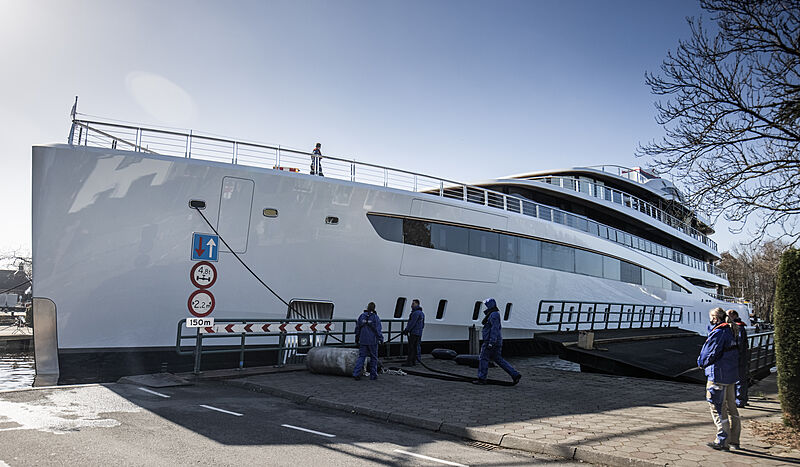 Feadship Project 817 launch in Kaag