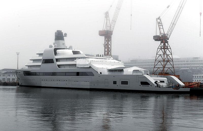 Solaris yacht by Lloyd Werft