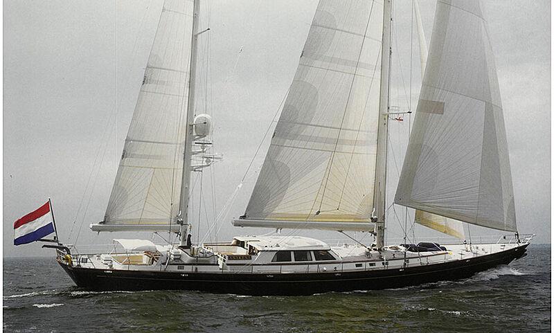 Anakena yacht sailing