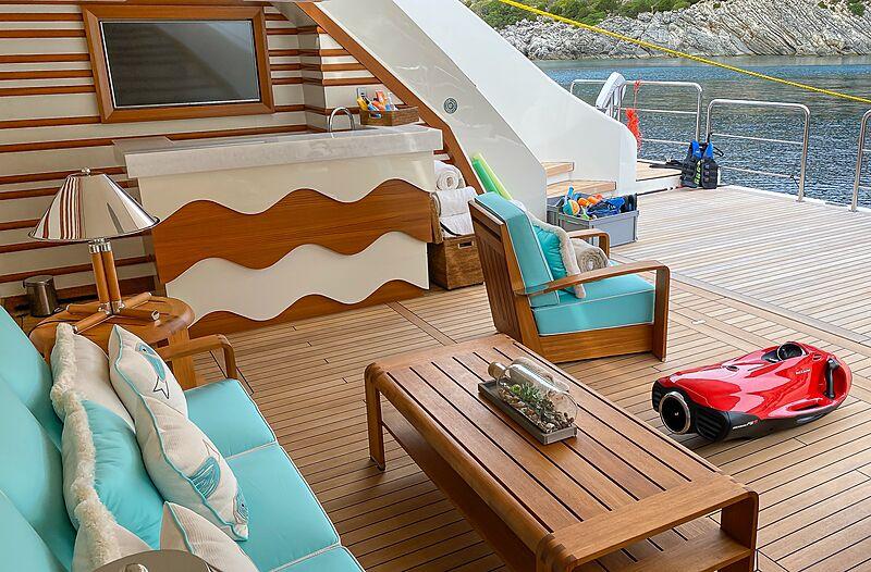 Mimtee yacht lower deck beach club