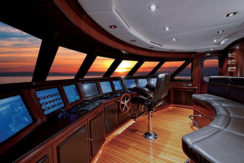 Alessandra yacht wheelhouse