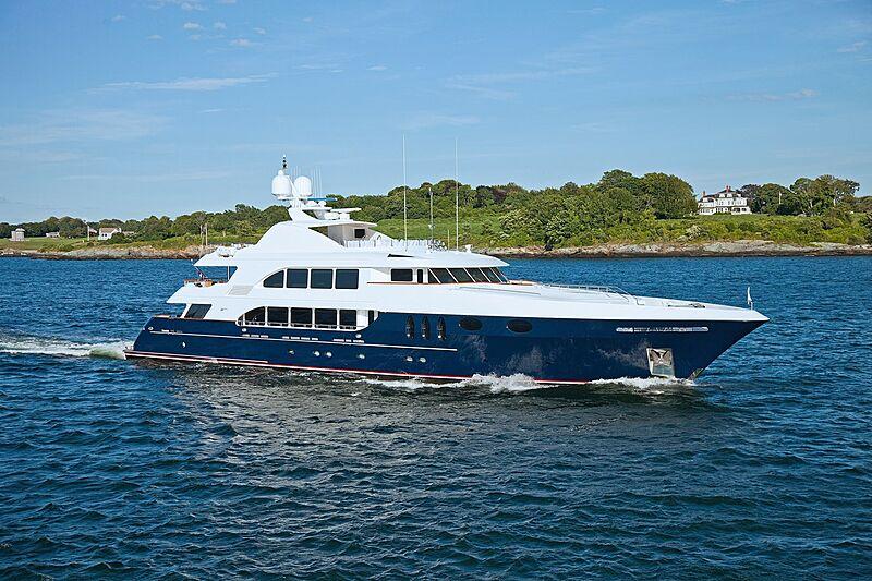 Alessandra yacht cruising