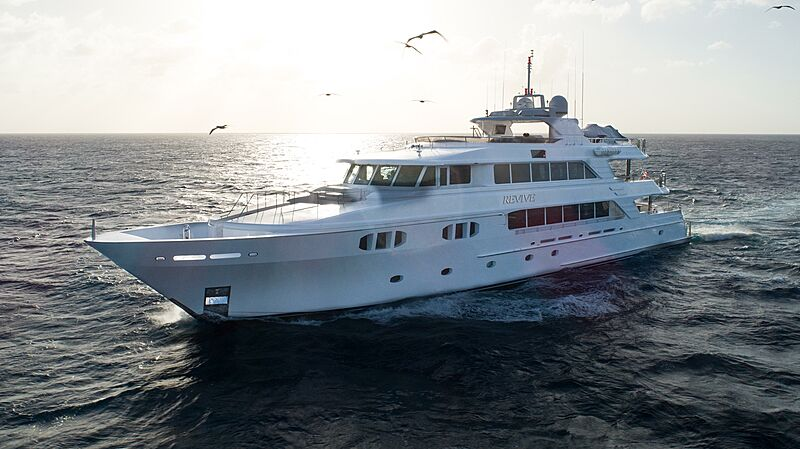 Revive yacht cruising
