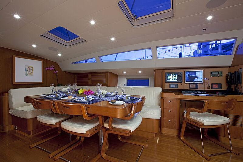 Virago yacht saloon