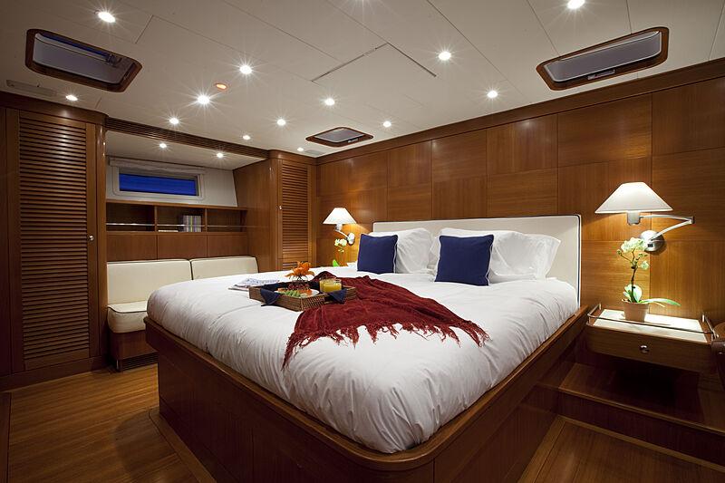 Virago yacht stateroom
