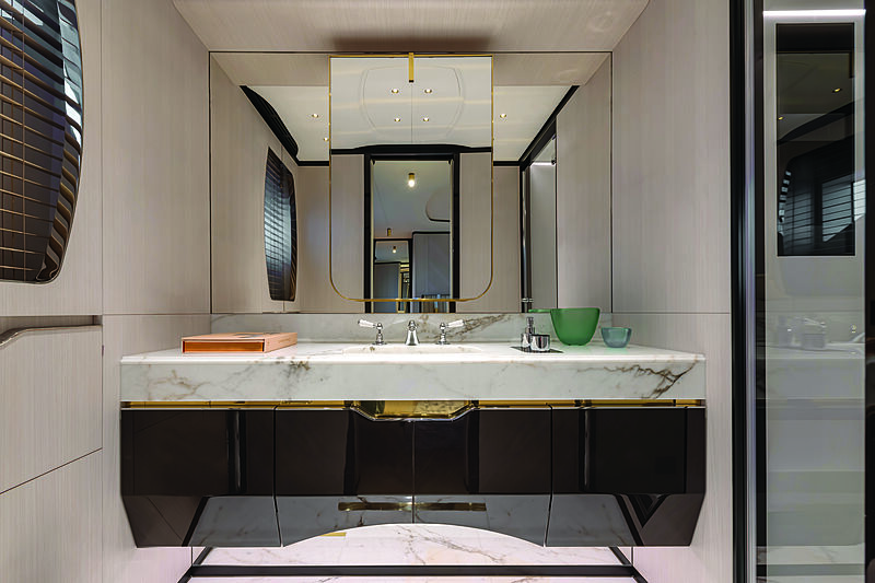 Benetti Delfino 95 yacht bathroom