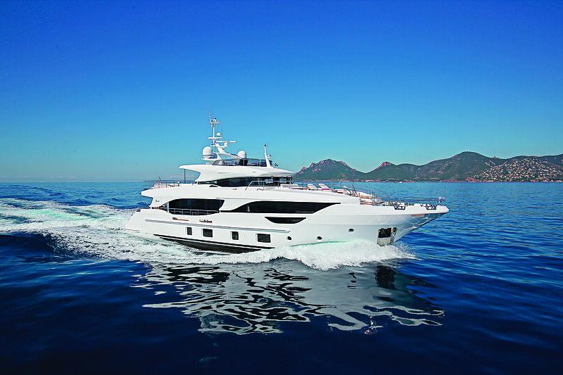 Benetti Delfino 95 yacht cruising