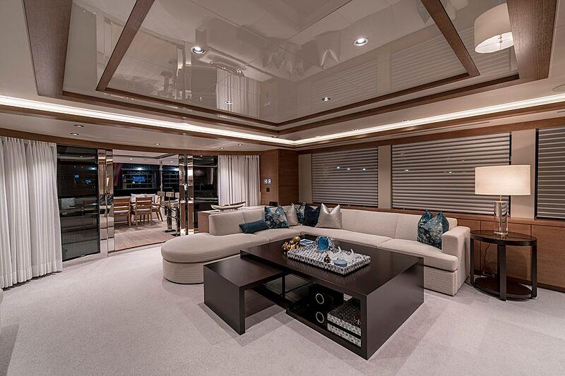 Westport 112 #7762 yacht saloon