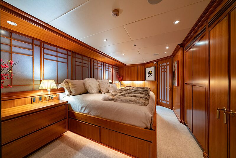 Dumb Luck yacht stateroom