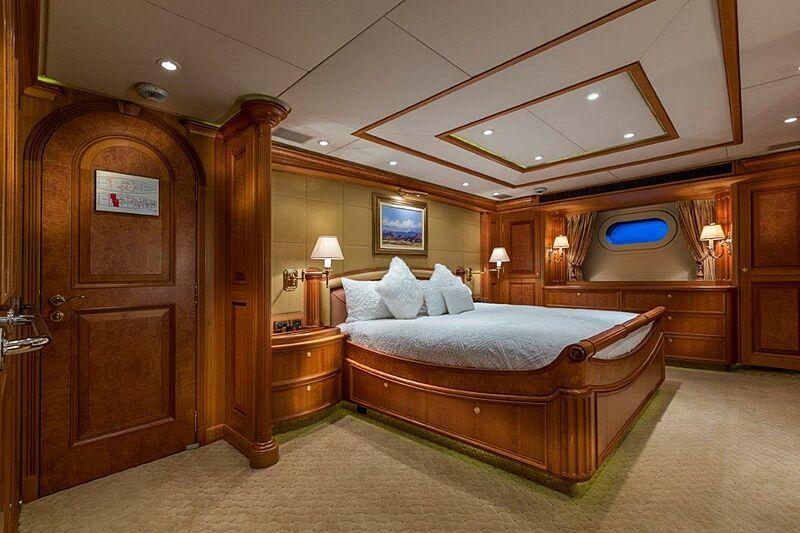 Georgia yacht stateroom