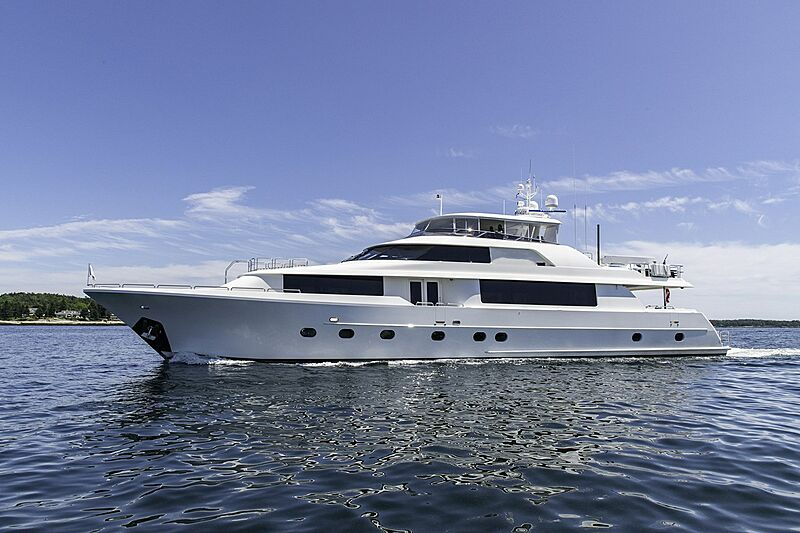 Seahawk yacht cruising