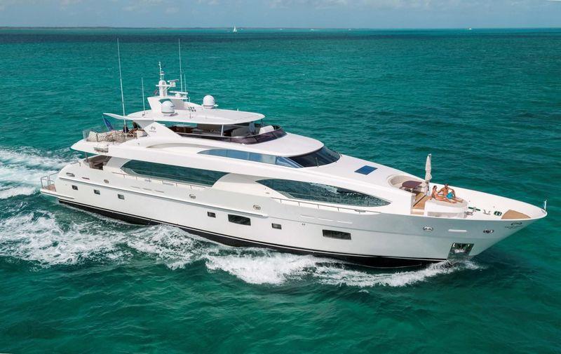 PAPI PAPA yacht Horizon
