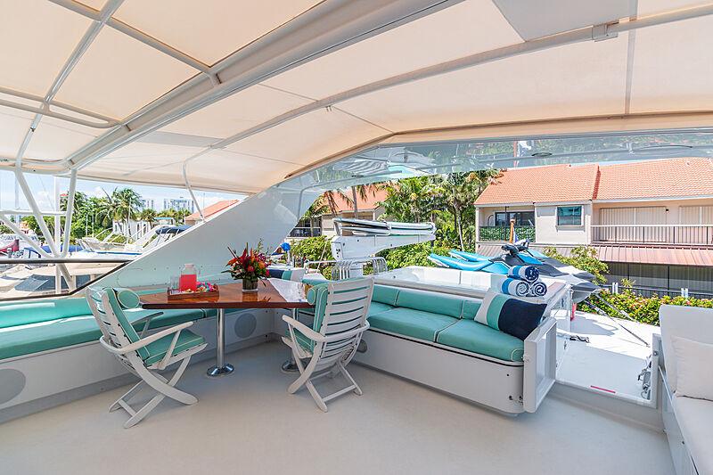 Impulse yacht sundeck