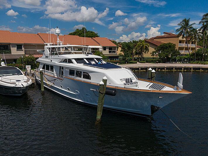 Impulse yacht in marina
