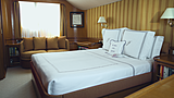 Freemont yacht stateroom