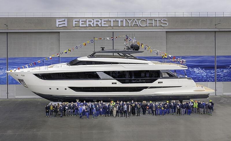 Ferretti 1000/01 yacht launch in Cattolica