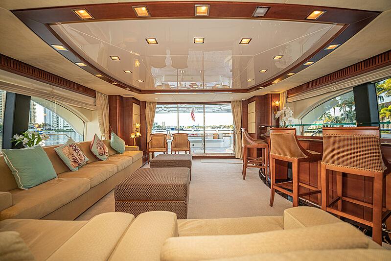 Vivere yacht saloon